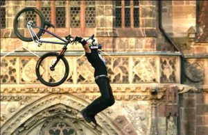 First-Ever-MTB-Tsunami-Flip-in-Contest-Red-Bull-District-Ride-2014