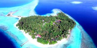 Amazing-islands-and-sea-Full-HD